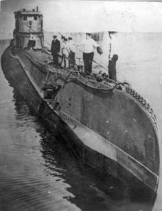[Photo] Polish submarine Orzel in port Poland Ww2, Military Weapons, War Machine, Battleship, Armed Forces, World War Ii, Wwii, Photo Galleries, The Past