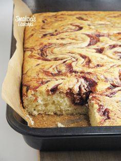 Smakocie and Łakołyki: Yogurt cake with plum jam Yogurt Recipes, Baking Recipes, Cookie Recipes, Dessert Recipes, Polish Desserts, Swirl Cake, Vegetarian Pasta Recipes, Yogurt Cake, Happy Foods