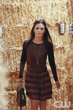 """Hart of Dixie -- """"Miracles"""" -- Image Number: -- Pictured: Rachel Bilson as Dr. Zoe Hart -- Photo: Robert Voets/The CW -- © 2013 The CW Network, LLC. All rights reserved. Hart Of Dixie, Rachel Bilson, Fashion Tv, Star Fashion, Fall Fashion, Zoe Hart Style, Divas, Gossip Girl, Leopard Print Skirt"""