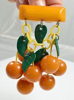 VINTAGE GENUINE BAKELITE CARVED BUTTERSCOTCH DANGLING CHERRIES BROOCH | eBay