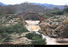http://www.photaki.com/picture-roman-bridge-vadollano_200353.htm