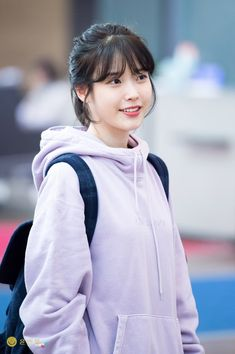 Lee Ji-Eun Iu Short Hair, Iu Hair, Ulzzang Short Hair, Short Hair Styles, Korean Celebrities, Celebs, World's Cutest Girl, Cute Korean Girl, Woman Smile