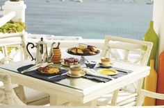 Imagine an exquisite breakfast spread served up with sunbeams and a sea view! A taste of the day to come at #LaMeduse #KivotosMykonos #yachtprince #greece #aegean #mykonos #visitmykonos #ornosbeach #cyclades #luxuryhotels #luxurytravel #beachresorts #travelgram #instatravel #greekislands #wedding #summer #holidays #mediterraneancuisine #privatepool #privatedining