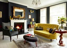 A Victorian maisonette - black living room. Like the black something other than yellow tho A Victorian maisonette - black living room. Like the black something other than yellow tho Victorian Sofa, Victorian Living Room, Victorian Interiors, Victorian Homes, Modern Victorian Decor, Country Interiors, Victorian Cottage, Dark Interiors, Victorian Architecture