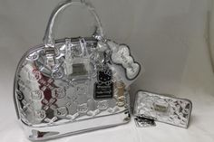 Hello Kitty Con 2014 Exclusive Loungefly Silver Embossed Handbag and Wallet