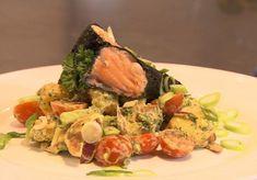 Sharon de Miranda maakt zalm, gerold in vellen nori met een salade van roseval aardappeltjes.