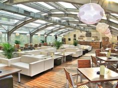 Rezervări la The Roof, București. Restaurant, lounge cu specific internațional din 13 Septembrie pe ialoc.ro, platformă de rezervări online in localuri din România.