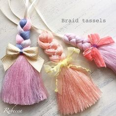 I recently learned how to make a tassel flower for this tassel bow and i enjoyed it a lot! I really love traditional hand embroidery technics. Diy Tassel, Tassel Jewelry, Fabric Jewelry, Tassel Earrings, Diy Jewelry, Ribbon Embroidery, Embroidery Designs, Yarn Crafts, Diy And Crafts