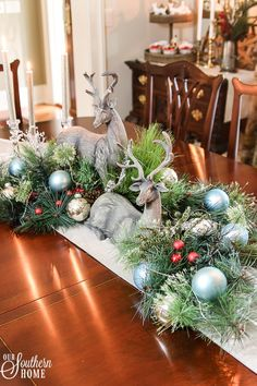 A beautiful Christmas centerpiece is a must have for any Christmas decoration. Silver Christmas Decorations, Christmas Table Centerpieces, Christmas Tablescapes, Christmas Holidays, Christmas Wreaths, Christmas Crafts, Purple Christmas, Christmas Villages, Christmas Snowman