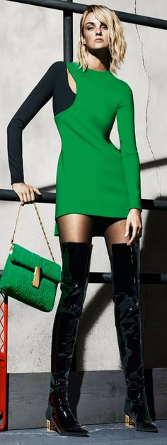 Caroline Trentini for Versarce's Fall 2015 Campaign Green Fashion, Colorful Fashion, Star Fashion, Love Fashion, High Fashion, Autumn Fashion, Fashion Design, Fashion Rocks, Fashion 2016