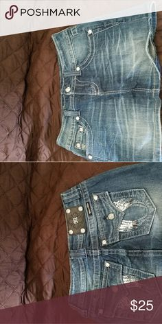 Miss me skirt Miss me jean skirt. Gently used only worn few times. Size 26 Miss Me Skirts Mini