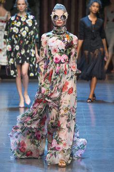 dolce gabbana spring 2016 ready to wear collection photos vogue