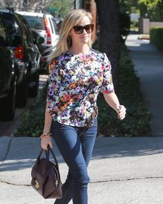Reese Witherspoon Photos: Reese Witherspoon Heads to the Studio