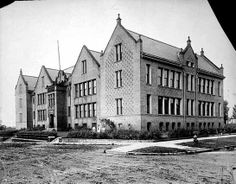 Hill Grade School, 156 North Oxford, St. Paul, ca 1910. Built in 1905 at Selby & Oxford.