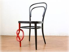 Thonet with a twist.