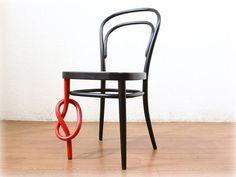 Thonet with a twist. #decoration #furniture #móveis #design @mundodascasas