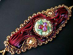 Bead embroidered cuff lampwork cabochon bracelet Shibori by Maewa, €70.00