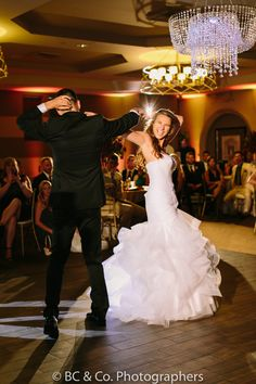 Vellano Country Club   Wedding Photography   Wedding Photo Ideas   First Dance   Brianna Caster & Co. Photographers   Shy Heart Studios