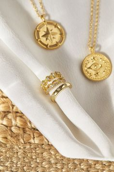 News Highlights, Messing, Gold Watch, Spring, Accessories, Collection, Fashion, Gold Paint, Compass