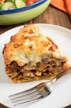 Slimming Eats Low Syn Lasagne Pie (Instant Pot) - Slimming World and Weight Watchers friendly Slimming World Meal Prep, Slimming World Lasagne, Slimming World Recipes Syn Free, Slimming Eats, Slimming Workd, Lasagne Recipes, Slow Cooker Lasagna, Eating At Night, Pressure Cooker Recipes