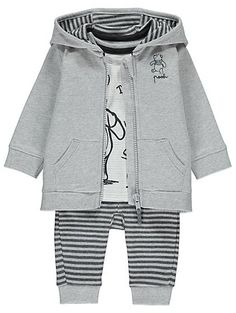 Babies and Disney are 2 of the most magical things in the world, and this gorgeous 3 piece set combines the two to make a super-cosy outfit for your baby. Wi...