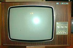 Vintage G22K511 - Single Standard 625 Lines - Colour TV