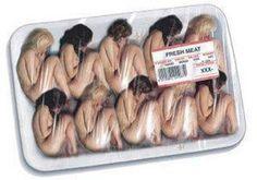 Se estima que cada año 2 millones y medio de mujeres y niñas son comercializadas con fines de explotación sexual. Como mercancía en la que se convierten, requieren de un proceso de selección, pulido y acabados para ser consumidas por los hombres que alimentan el circuito de la prostitución.