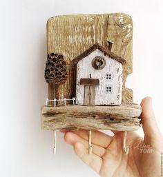 Купить 'Дворик' Ключница-вешалка настенная, домик деревянный дрифтвуд-арт - ключница, домики