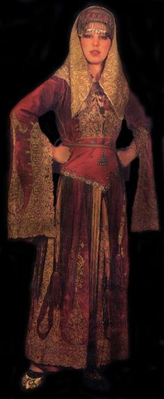 A traditional bridal dress from the city of Erzincan. Mid-19th century. Ten women worked 80 days to adorn the üçetek (robe with three panels) with this nice goldwork embroidery.