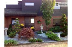 Mit Ambiente auf 70 m2 wohnen! Dortmund - Der japanisch gestaltete 'Vorgarten' mit Blick auf Ihre obere Ferienwohnung.