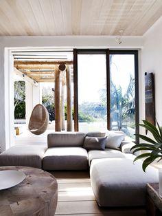 We love this beautiful summer Interior located in Sydney, Australia!