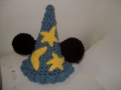 Newborn baby mouse wizard hat