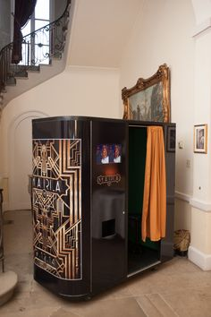 Great Gatsby vintage photo booth at Oheka Castle