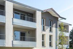 Quatuor - Veigy-Foncenex (74) © Gilles Bertrand Mansions, House Styles, Outdoor Decor, Home Decor, Alps, Decoration Home, Manor Houses, Room Decor, Villas