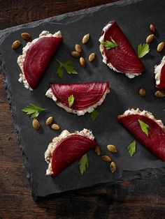 beetroot foldovers with blue cheese + dates + greek yogurt + pumpkin seeds delicious food Blue Beetroot Fold-Overs Appetisers, Appetizer Recipes, Canapes Recipes, Canapes Ideas, Party Recipes, Party Canapes, Skewer Appetizers, Indian Appetizers, Juice Recipes
