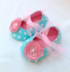Hey, I found this really awesome Etsy listing at http://www.etsy.com/listing/117842447/baby-girl-shoes-baby-booties-teal-baby