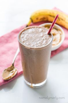 Chocolate Peanut Butter Protein Smoothie - a perfect high-protein vegan breakfast!