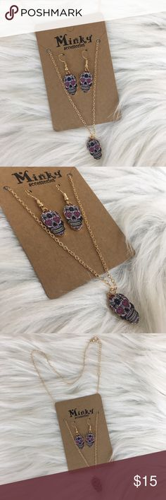 🏷 Sugar skull heart lock jewelry set Brand new in package 🏷 Sugar skull pink heart lock necklace & earrings set • this is trendy fashion jewelry sold in a boutique Jewelry