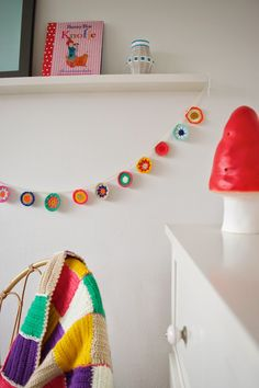 Crochet color bunting   Wimke