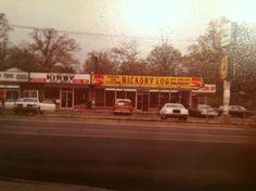 Hickory Log Bbq restaurant 1976  Memphis Tn. Across the street for Graceland
