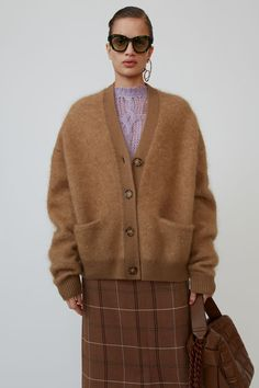 Acne Studios Rives Mohair caramel brown cardigan is shaped to a loose silhouette with dropped shoulders and finished with ribbed trims. Brown Cardigan, Sweater Cardigan, Jumper, Big Sweater, Mohair Sweater, Milan Fashion Weeks, Fashion 2020, London Fashion, Acne Studios
