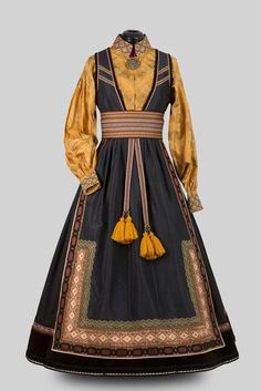 Historical Costume, Historical Clothing, Cool Outfits, Fashion Outfits, Folk Costume, Character Outfits, Traditional Dresses, Costume Design, Dress Up
