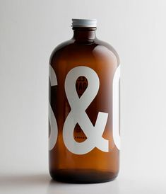 This large font really makes a statement for Steel & Oak beer. It will stand out on the shelf for being different, and it makes you want to try the product.