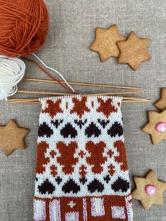 Piparisukka KAL Knitting Socks, Knitting Patterns, Knits, Chopsticks, Inside Shoes, Knit Socks, Knit Patterns, Knit Stitches, Knitting Stitch Patterns