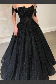 Unique Prom Dresses, lace prom dress long prom dress black lace prom dress black prom dress , There are long prom gowns and knee-length 2020 prom dresses in this collection that create an elegant and glamorous look Black Evening Dresses, Black Prom Dresses, Lace Dress Black, Homecoming Dresses, Black Gowns, Dress Prom, Black Quinceanera Dresses, Black Formal Gown, Cap Dress
