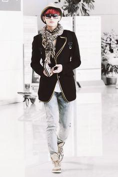 Straight thuggin' airport fashion-Tao