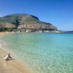 Have u ever seen a city beach so clear?  It is Mondello the beach of Palermo…