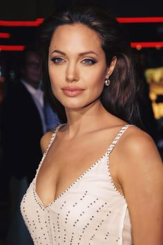 Find images and videos about Angelina Jolie on We Heart It - the app to get lost in what you love. Angelina Jolie Photos, Elizabeth Hurley, Le Jolie, Dream Hair, The Most Beautiful Girl, Showgirls, Celebs, Celebrities, Hollywood Actresses