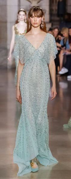 Georges Hobeika S/S 2018, official pictures - Couture - http://www.orientpalms.com/Georges-Hobeika-7017 Georges Hobeika, Fashion 2018, Fashion Dresses, Couture Fashion, Runway Fashion, Haute Couture Dresses, Blue Dresses, Prom Dresses, Formal Dresses