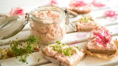 Pomazánka z šunky a másla je výbornou alternativou místo klasického chleba se šunkou. Prosciutto, Camembert Cheese, Potato Salad, Deserts, Food And Drink, Meals, Dishes, Cooking, Healthy